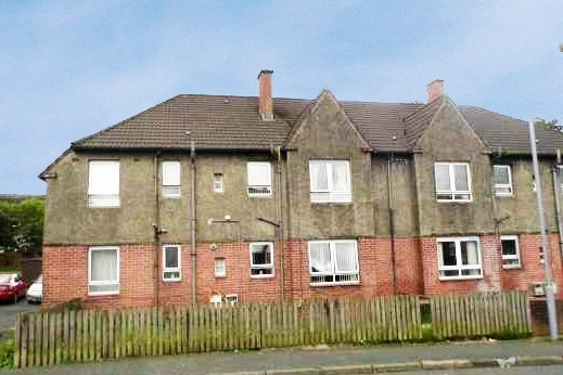 4 Bedrooms Flat for sale in Emrys Avenue, Cumnock, Ayrshire, KA18 1EL
