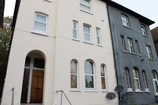 1 Bedroom Ground Flat for sale in Selhurst Road, South Norwood, Greater London, SE25 5QB
