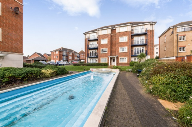 2 Bedrooms Flat for sale in Barbuda Quay, Eastbourne, East Sussex, BN23 5TT