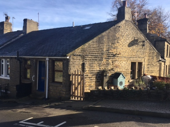 1 Bedroom Property for sale in Manor Houses, Holmfirth, West Yorkshire, HD9 4AU