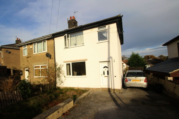 3 Bedrooms Semi Detached House for sale in Broomhill Mount, Keighley, West Yorkshire, BD21 1NQ