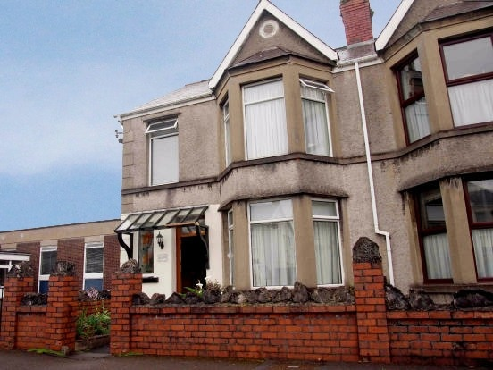 4 Bedrooms Semi Detached House for sale in Pontardulais Road, Swansea, West Glamorgan, SA4 4FF