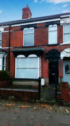 5 Bedrooms Terraced House for sale in Farebrother Street, Grimsby, South Humberside, DN32 0JP