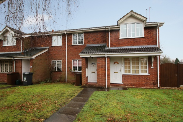 2 Bedrooms Maisonette Flat for sale in Ryhope Walk, Wolverhampton, West Midlands, WV9 5NB