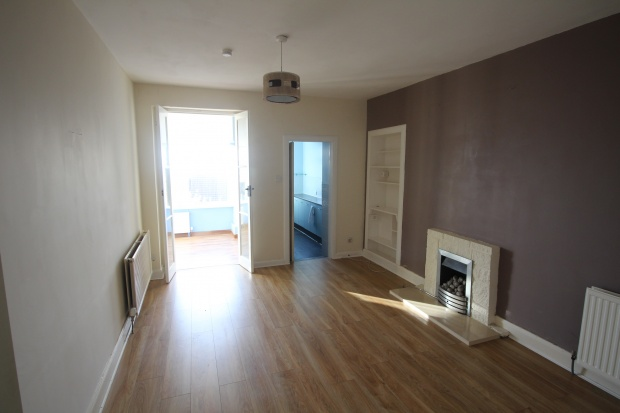 2 Bedrooms Flat for sale in Church Street, Kirkcaldy, Fife, KY1 4SX