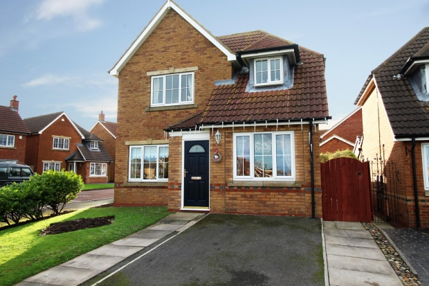 3 Bedrooms Detached House for sale in Rillstone Way, Redcar, Cleveland, TS10 2TW