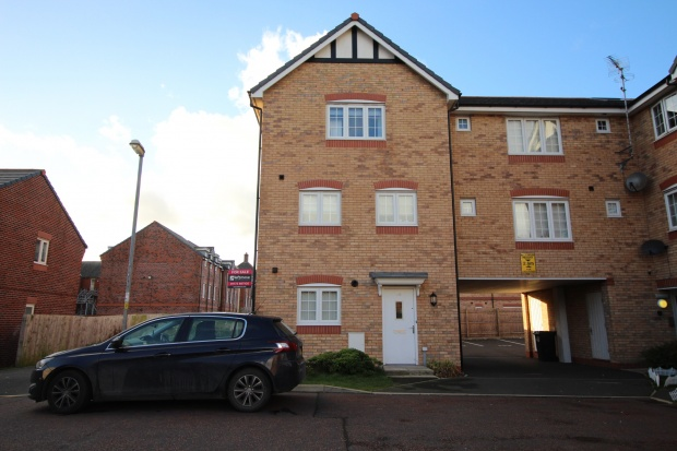 4 Bedrooms Town House for sale in Sycamore Drive, Preston, Lancashire, PR4 3FG