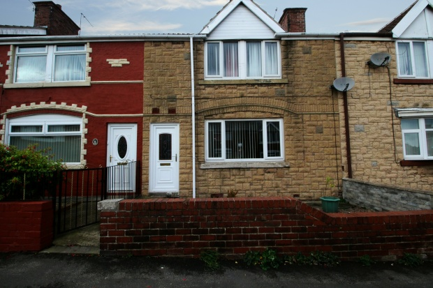 3 Bedrooms Terraced House for sale in Queen Avenue, Rotherham, South Yorkshire, S66 7HW