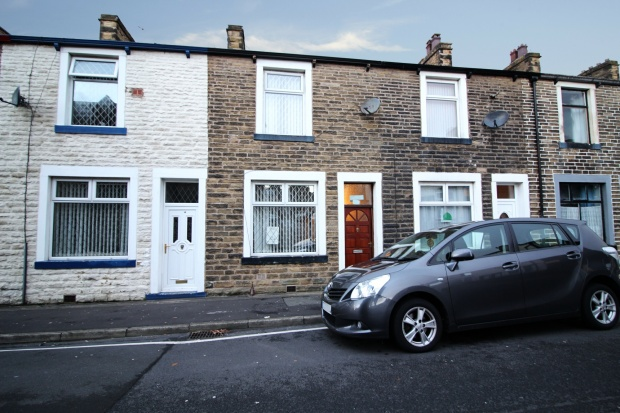 2 Bedrooms Terraced House for sale in Livingstone Street, Nelson, Lancashire, BB9 5DB