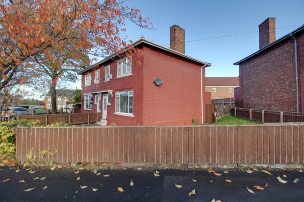 3 Bedrooms Semi Detached House for sale in Whinney Banks Road Middlesbrough,, Middlesbrough, North Yorkshire, TS5 4HF