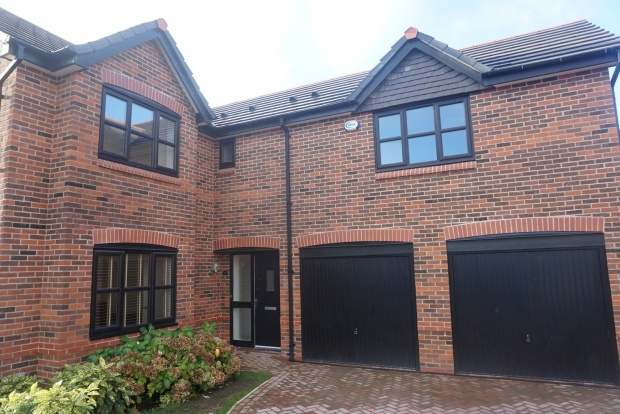 5 Bedrooms Detached House for sale in Blackthorn, Stockport, Cheshire, SK7 5EL