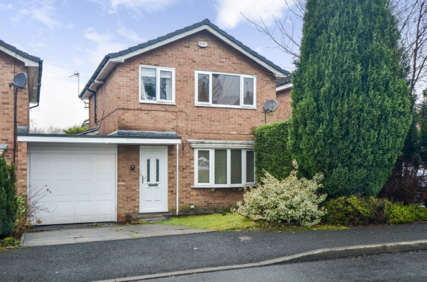 3 Bedrooms Link Detached House for sale in Hunt Fold Drive, Bury, Greater Manchester, BL8 4QG