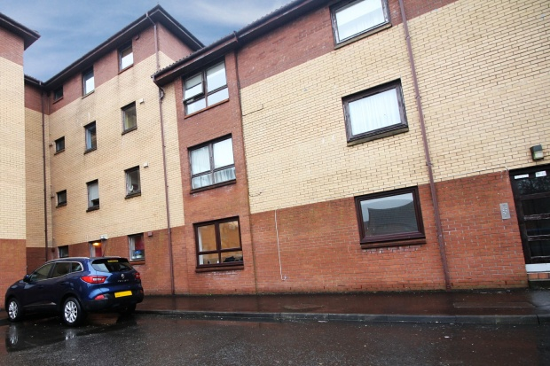 2 Bedrooms Flat for sale in Laighpark View, Paisley, Renfrewshire, PA3 2PE