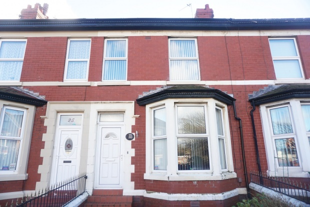 3 Bedrooms Terraced House for sale in Claremont Road, Blackpool, Lancashire, FY1 2QF