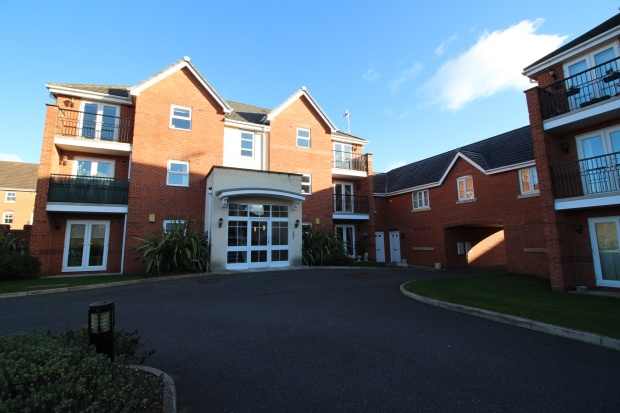 2 Bedrooms Apartment Flat for sale in Millfield, Cheshire West And Chester, Cheshire, CH64 3TF