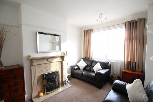 3 Bedrooms Semi Detached House for sale in Nigel Avenue, Birmingham, West Midlands, B31 1LL