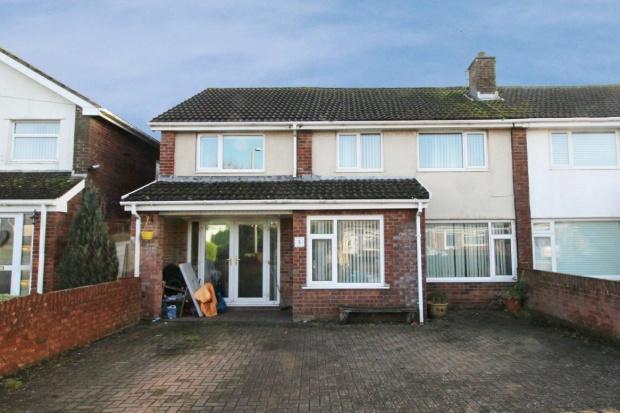 5 Bedrooms Semi Detached House for sale in Woodland Place, Bridgend, Glamorgan, CF33 4EW