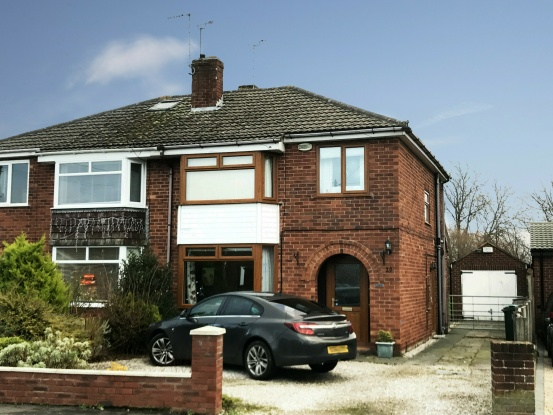3 Bedrooms Semi Detached House for sale in The Ridings, Chester, Cheshire, CH1 6AS