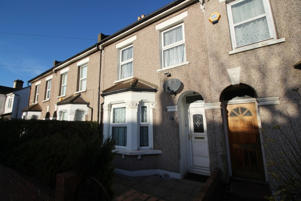 3 Bedrooms Terraced House for sale in Manor Road, Mitcham, Surrey, CR4 1JT