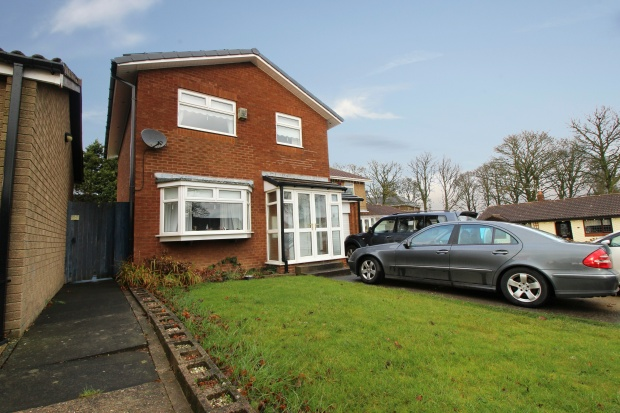 3 Bedrooms Detached House for sale in Chestnut Drive, Durham, DH6 2BE