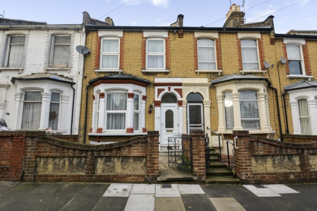 3 Bedrooms Terraced House for sale in Colne Road, London, Greater London, E5 0HR