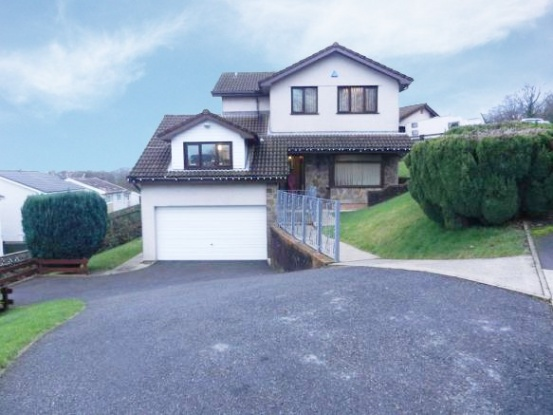 4 Bedrooms Detached House for sale in Woodland Park, Swansea, West Glamorgan, SA6 5AR