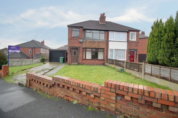 3 Bedrooms Semi Detached House for sale in Baytree Road, Wigan, Lancashire, WN6 7RT