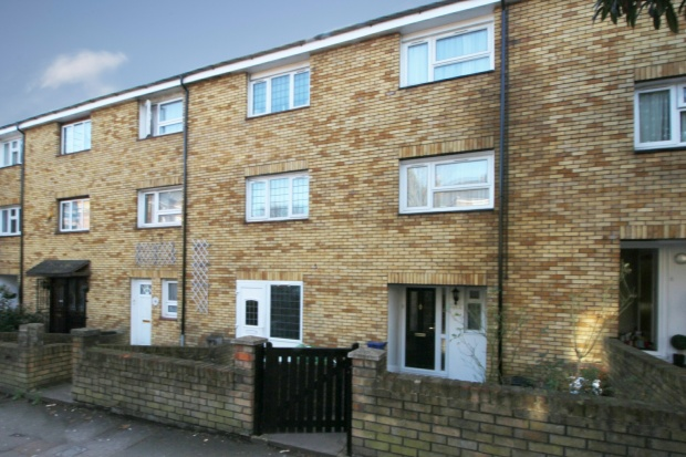 4 Bedrooms Terraced House for sale in Mount Pleasant Lane, London, Greater London, E5 9DW