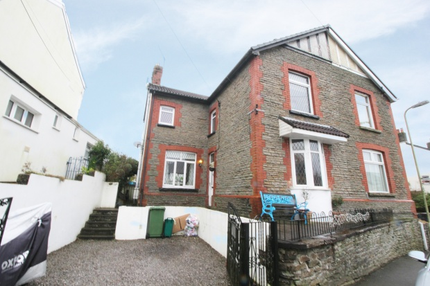3 Bedrooms Semi Detached House for sale in Ffordd Y Capel, Pontypridd, Mid Glamorgan, CF38 1AP