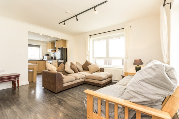 3 Bedrooms Semi Detached House for sale in Atwater Close, London, Greater London, SW2 2PQ