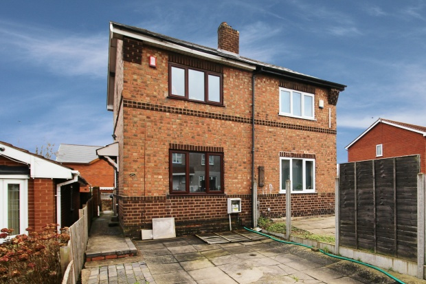 2 Bedrooms Semi Detached House for sale in Hill Street, Bilston, West Midlands, WV14 8SB