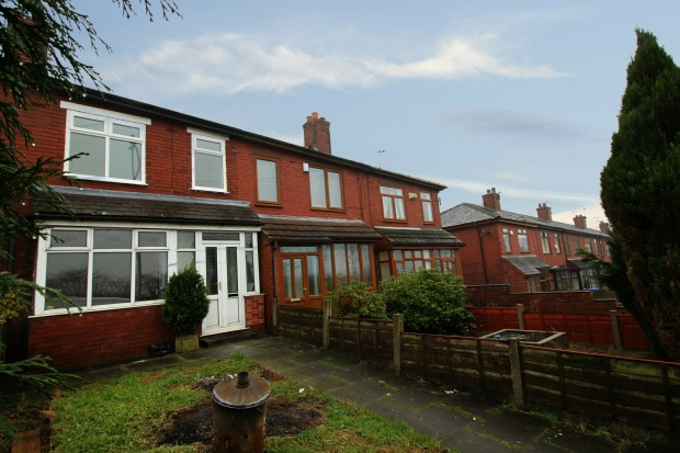 3 Bedrooms Terraced House for sale in Bury Old Road, Heywood, Greater Manchester, BL9 7JB