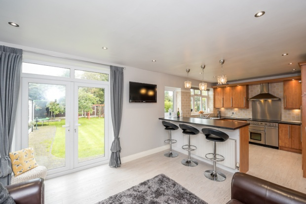 4 Bedrooms Detached Bungalow for sale in The Crescent, Liverpool, Merseyside, L31 7BL