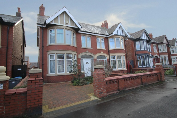 3 Bedrooms Semi Detached House for sale in Waterloo Road, Blackpool, Lancashire, FY4 3AA