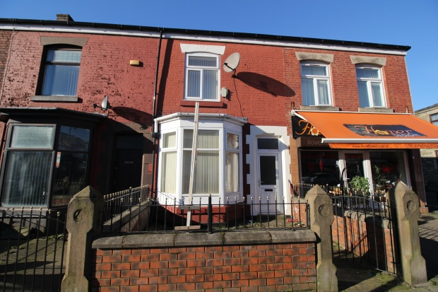 3 Bedrooms Terraced House for sale in Tonge Moor Road, Bolton, Lancashire, BL2 2HR