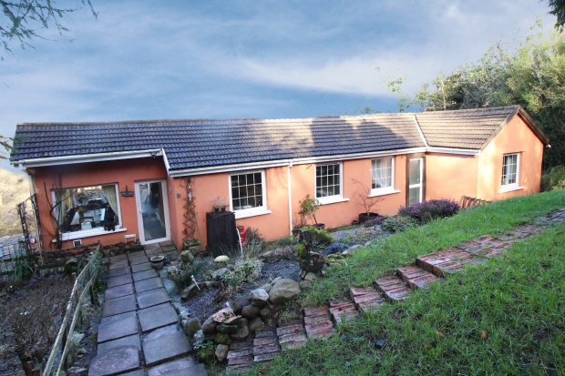 3 Bedrooms Detached Bungalow for sale in Coed Wern Hir, Neath, West Glamorgan, SA11 5NF