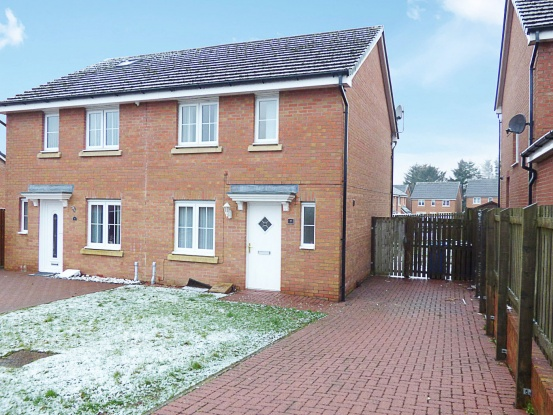 Main Photo of a 3 bedroom  House for sale
