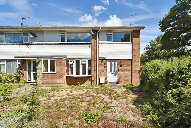 Main Photo of a 4 bedroom  House for sale