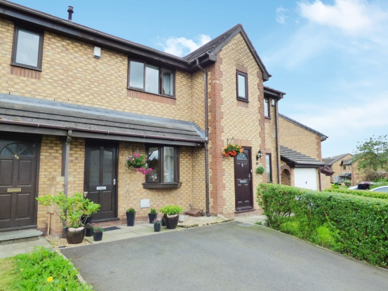 Main Photo of a 2 bedroom  Mews House for sale