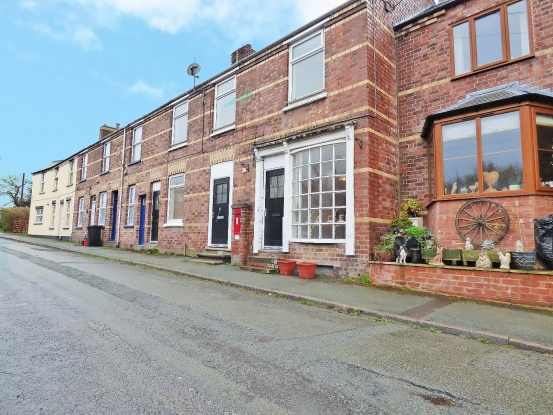 Main Photo of a 5 bedroom  House for sale