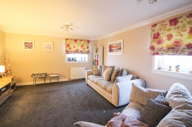 Main Photo of a 3 bedroom  Maisonette for sale