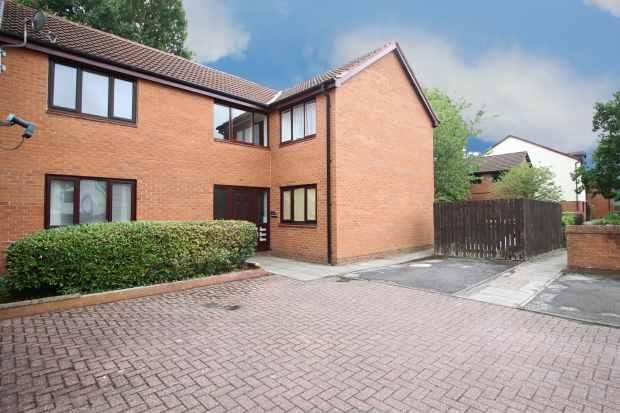 Studio Flat for sale in Golf View, Preston, Lancashire, PR2 7EN