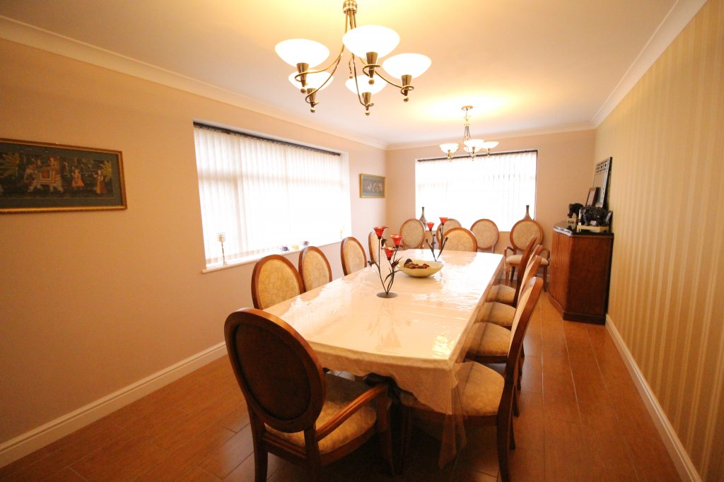 Detached House For Sale In Park Drive Wolverhampton
