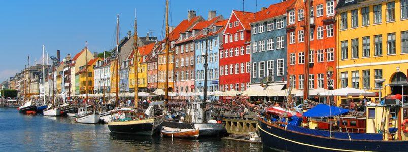 Copenhaguen_Nyhavn_(c)_Scanrail1