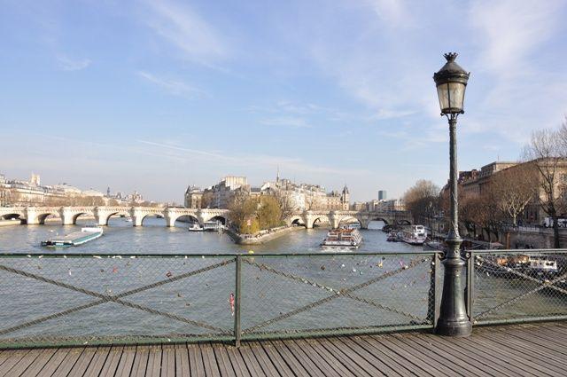 Pont au dessus de la Seine à Paris