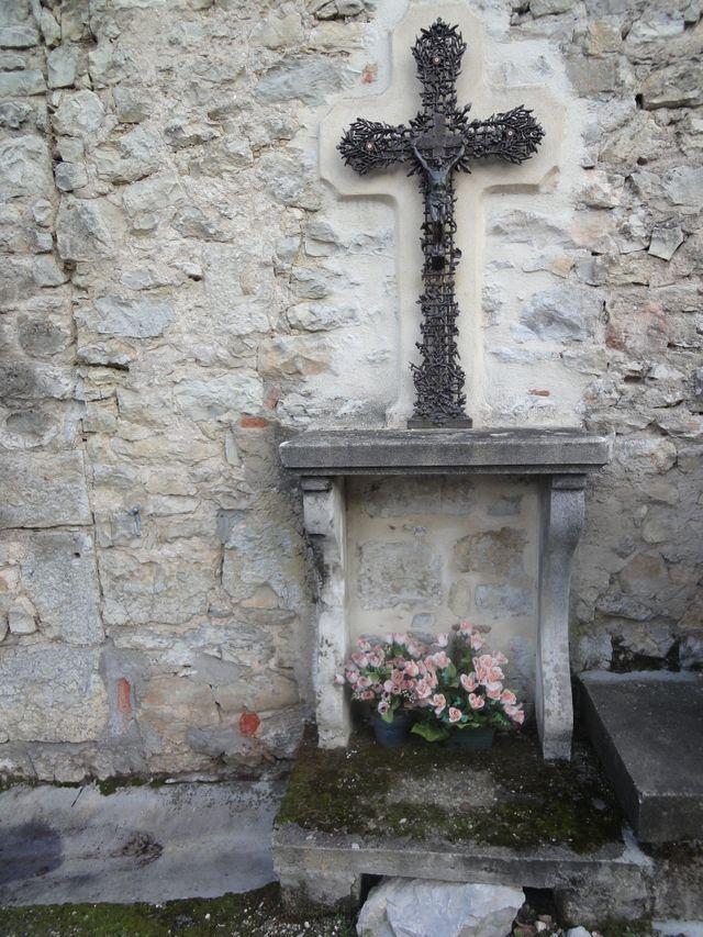 Croix - Douelle