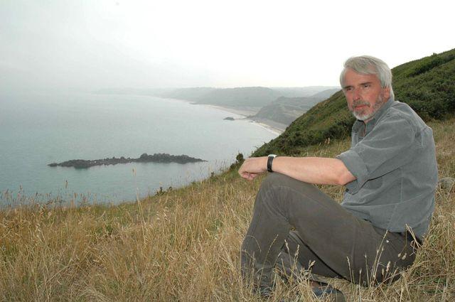 Depuis onze ans, l'ecrivain Philippe Delerm vient se reposer dans la petite station balneaire de Pleneuf Val Andre