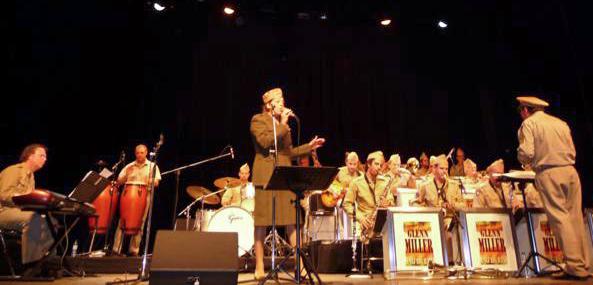Philippe CRESTÉE big band 'The Glenn Miller street', salle des fêtes de SAINT AUBIN lès ELBEUF