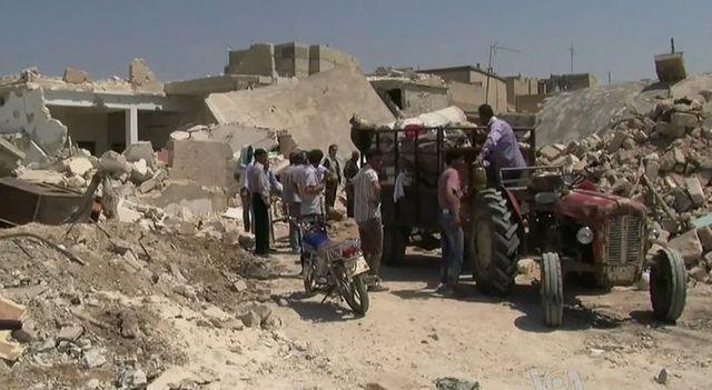Familles en exil après bombardements