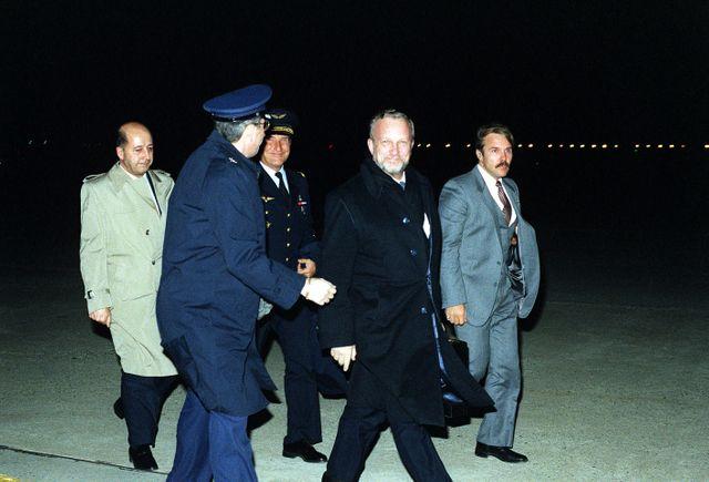 Charles Hernu ministre de la défense, lors d'une visite aux États-Unis, le 20 janvier 1983